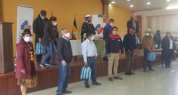 ENTREGA DE MASCARILLAS PARA EL GAD PARROQUIAL DESTINADOS PARA EL SECTOR VULNERABLE.